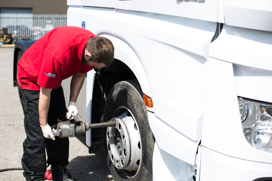 kingsway tyres to the rescue thanks to our 24/7 breakdown cover service