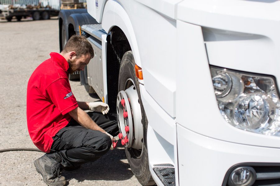 kingsway tyres hands-on tyre experts for commercial and domestic work