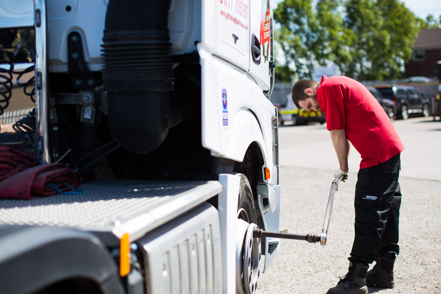 kingsway tyres dedicated commercial truck tyre service