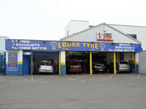 lodge walsall car bay