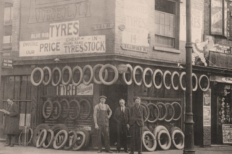 Bradford Street Shop, Lodge Tyre